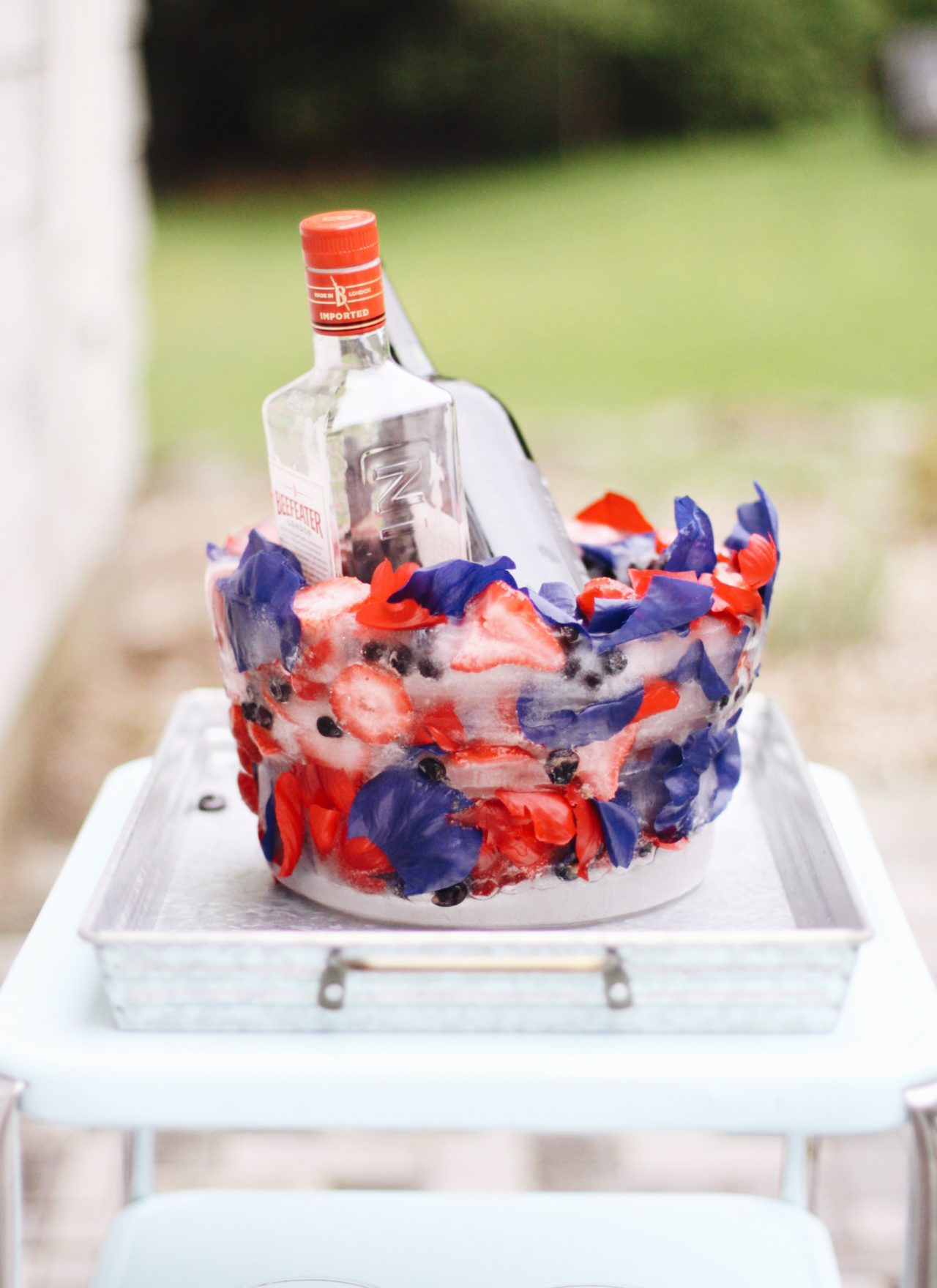 DIY 4th of July Ice Bucket