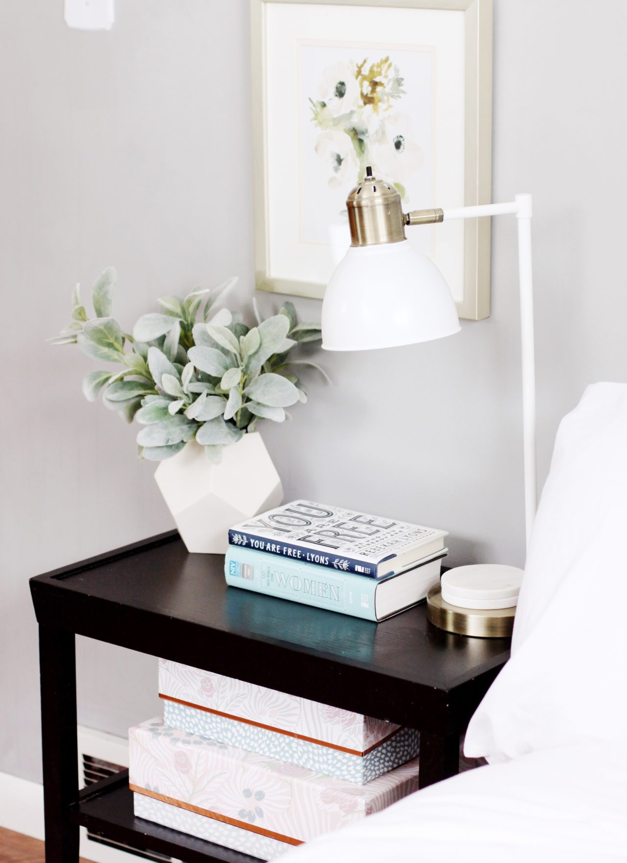Styling a Nightstand // 5 Elements